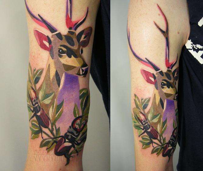 Художественная татуировка «Олень». Выполнена мастером Сашей Unisex по собственному эскизу. Расположение: плечо. Время работы: 5 часов.