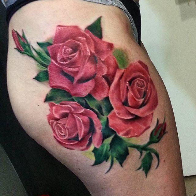 Художественная татуировка «Розы» от Евгения Ершова