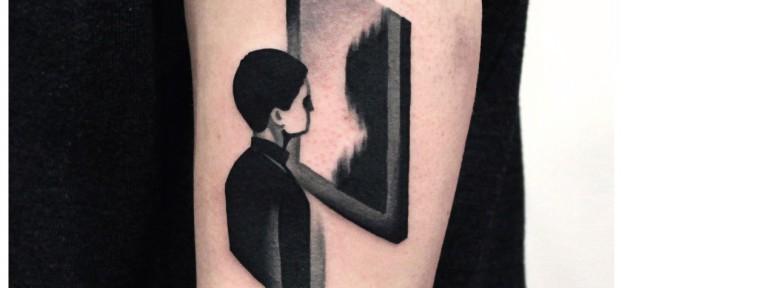 Художественная татуировка «Зеркало». Мастер- Денис Марахин