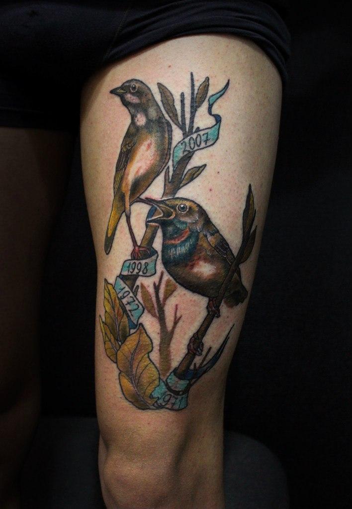 Художественная татуировка «Птички на ветках» от Димы Поликарпова