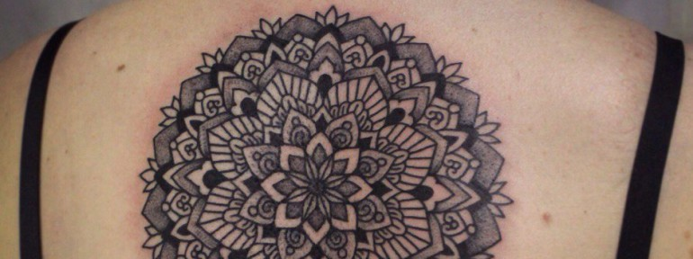 Художественная татуировка «Мандала».Мастер Настя Стриж.