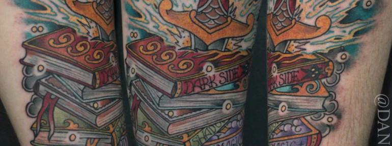 Художественная татуировка «Сказочные книги» от Данилы-Мастера