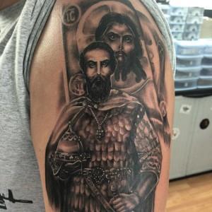 Значение татуировок с иконами — дань моде или глубокий смысл?