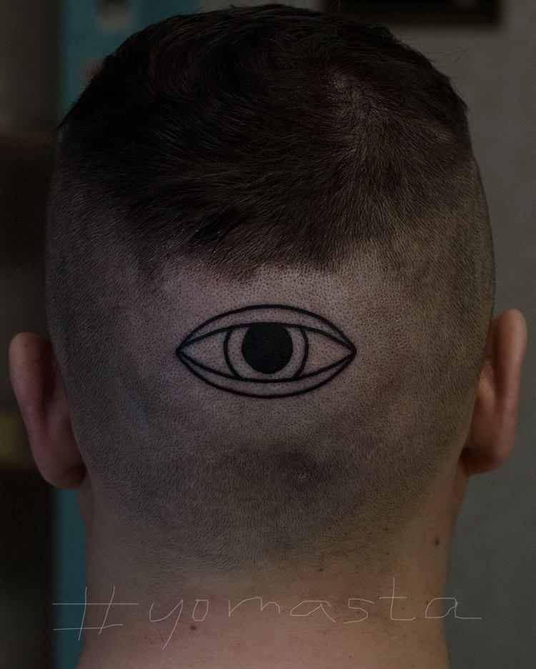 Художественная татуировка «Глаз». Мастер Даня Костарев