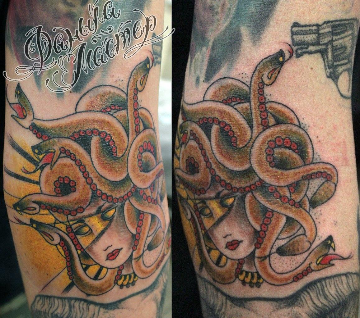 Художественная татуировка «Медуза Горгона» от Данилы-мастера. Место нанесения: внутренняя сторона локтя. Время работы: около 2 часов, по своему эскизу.