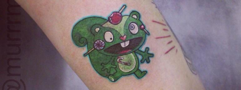 Художественная татуировка «Сумасшедшая белка».Мастер Настя Стриж