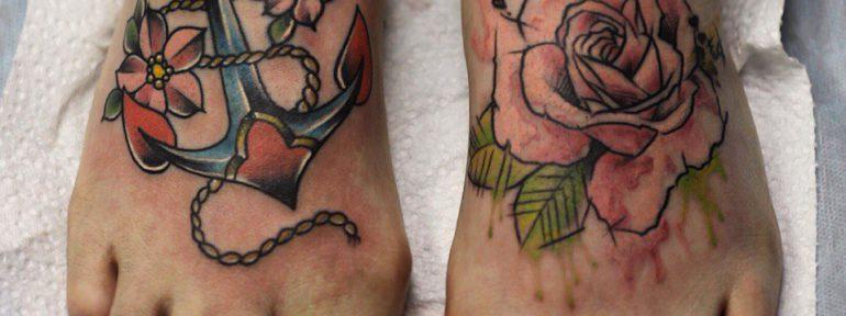 Художественная татуировка «Якорь и роза». Мастер- Ил Берёза