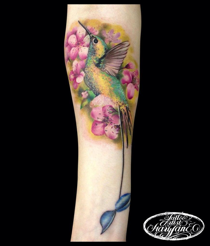 Художественная татуировка «Колибри»
