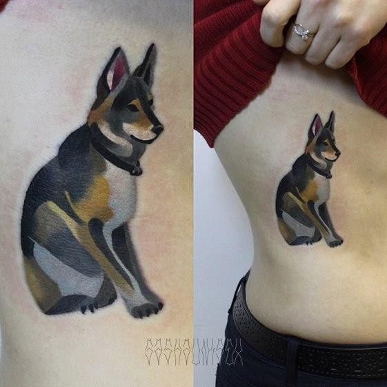 Художественная татуировка «Собака». Мастер Саша Unisex. Работа выполнена на боку девушки по собственному эскизу мастера за 2,5 часа.