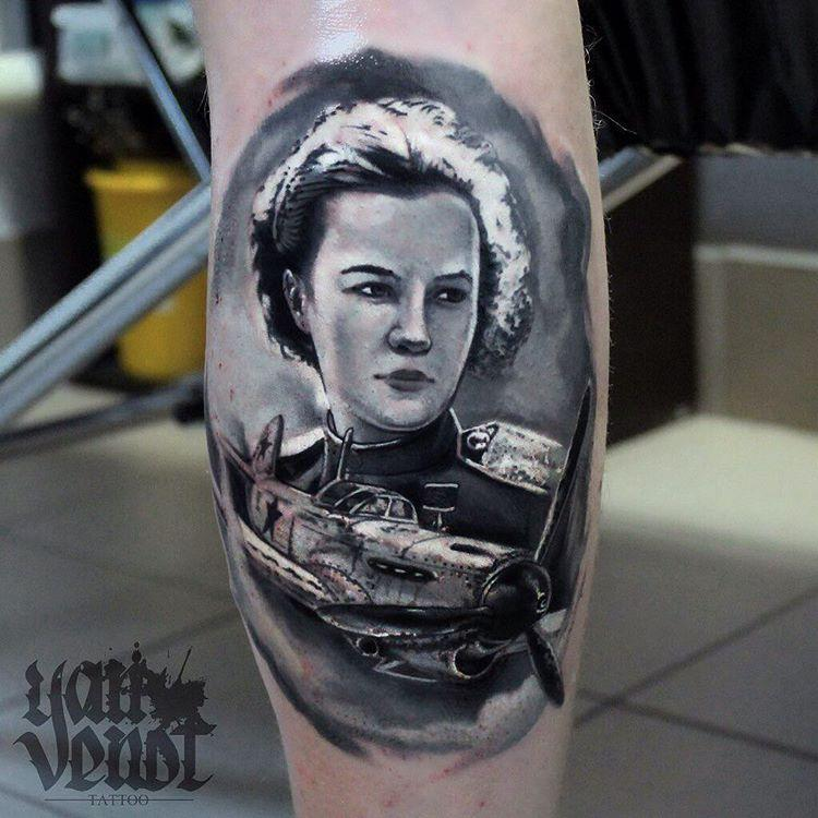 Художественная татуировка «Татьяна Меклин».Мастер Ян Енот.