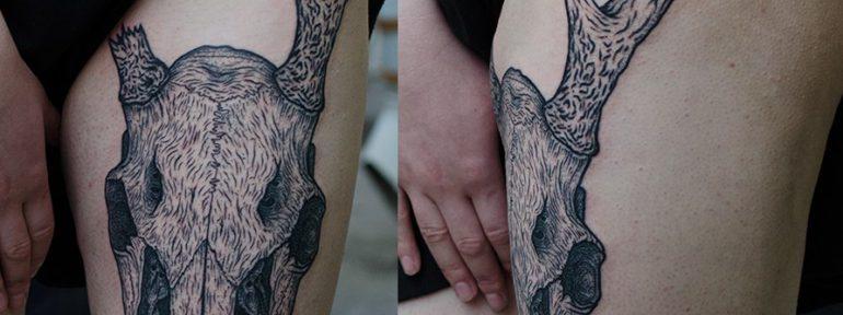 Художественная татуировка «Череп оленя».Мастер Данил Костарев.