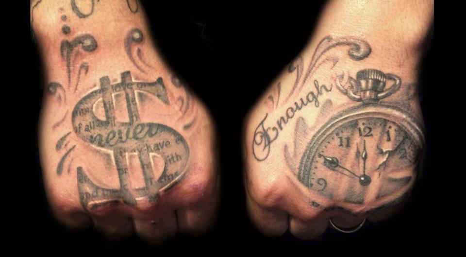 Татуировка доллар и часы
