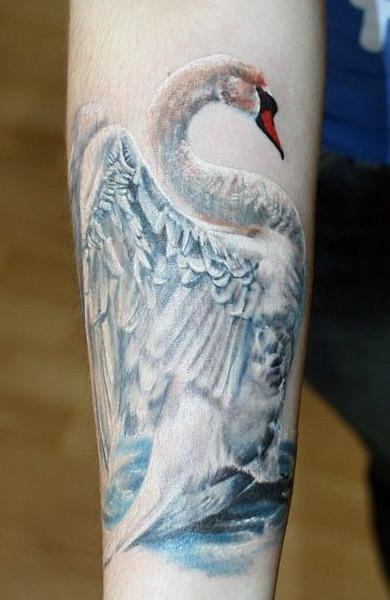 Татуировка лебедь