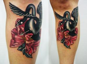 Художественная татуировка «Лебедь»