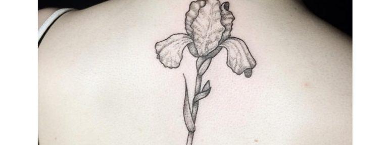 Художественная татуировка «Цветок». Мастер- Лилия