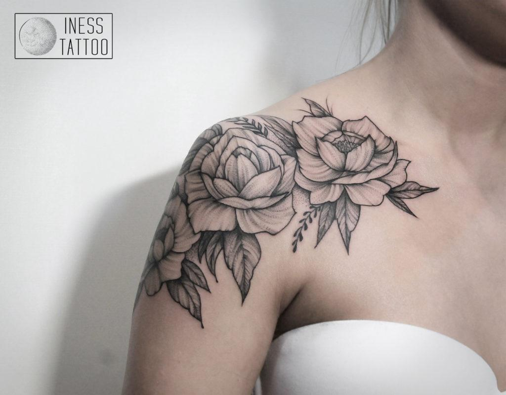 """Художественная татуировка """"цветы"""". Выполнена за 4,5 часа"""