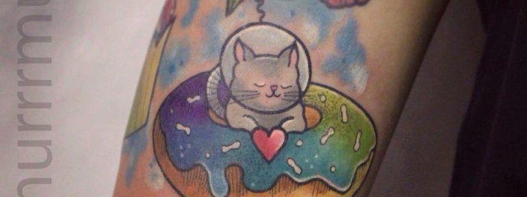 Художественна татуировка «Космо котик». Мастер: Настя Стриж