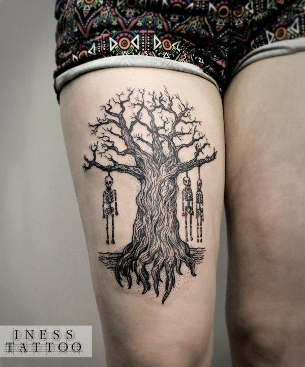 Тату скелеты на дереве