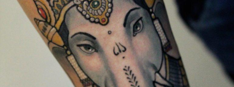 Художественная татуировка «Ганеша». Мастер Дима Поликарпов