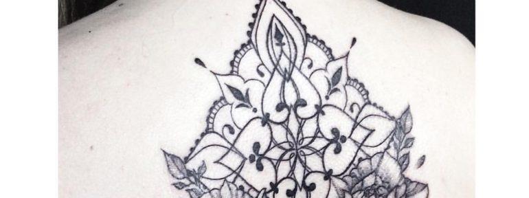 Художественная татуировка » орнамент с цветами». Мастер Лилия