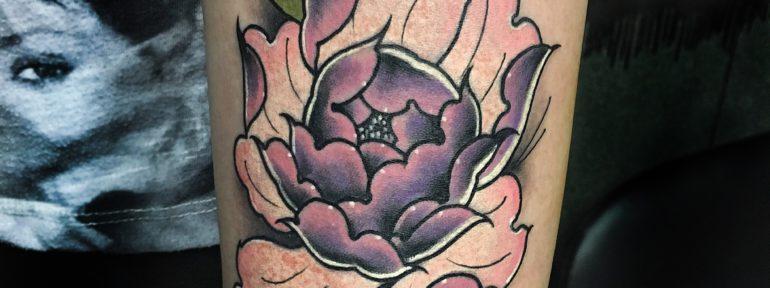 Художественная татуировка «Пион». Мастер- Илья Берёзкин.