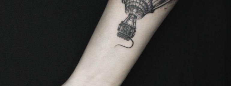 Художественная татуировка «Воздушный шар». Мастер- Анна Корь.