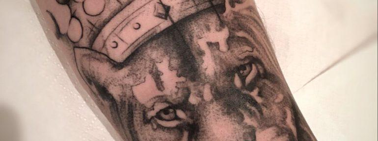 Татуировка «Лев в короне». Мастер Павел Бормотов.
