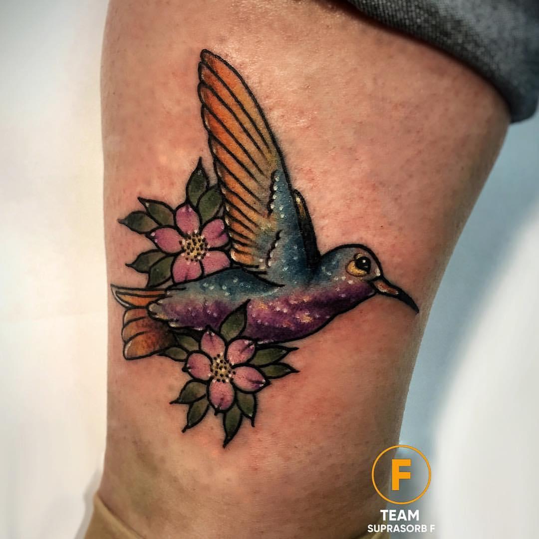 Художественная татуировка «Колибри». Мастер Руслан Тавакалов