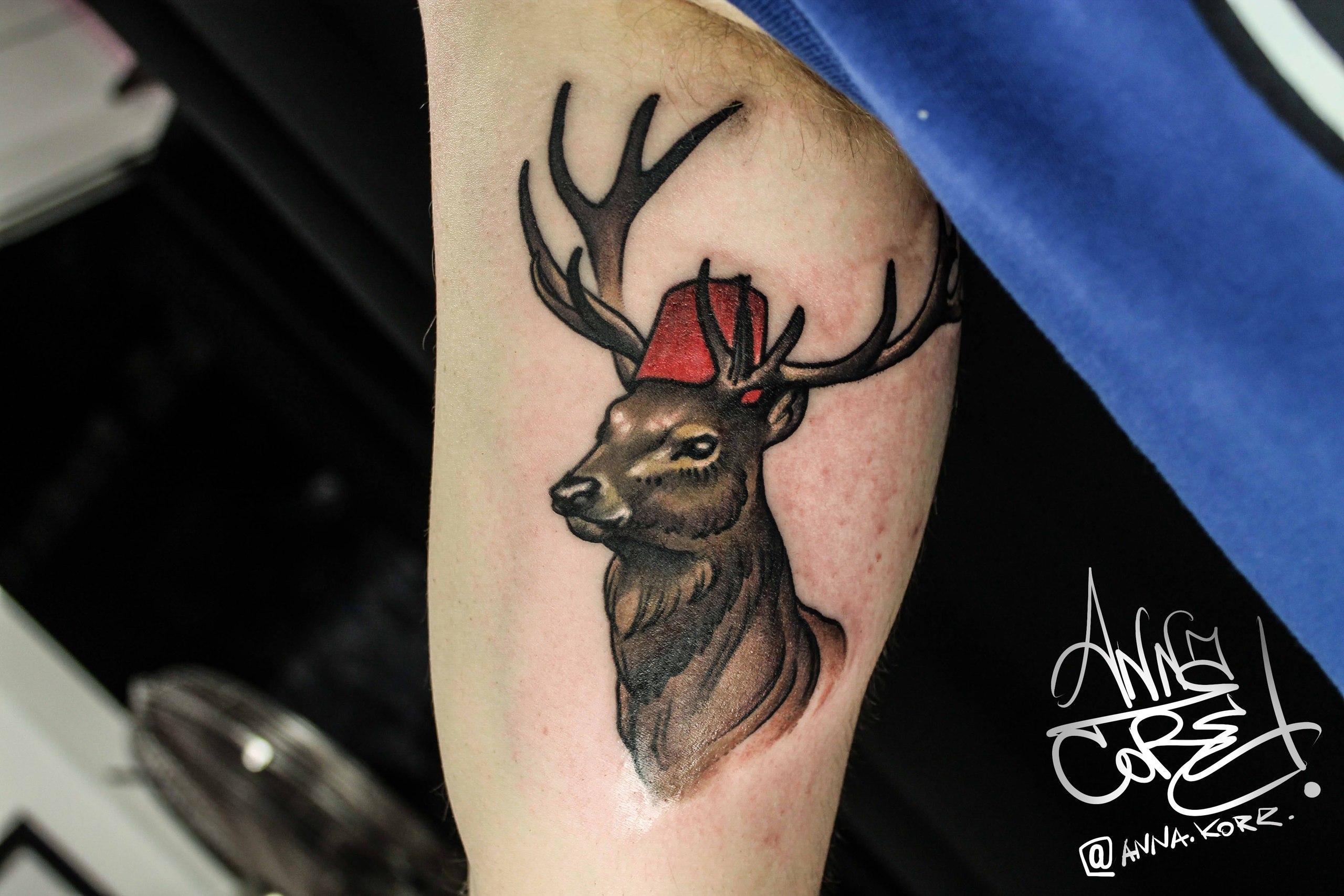 Художественная татуировка «Олень». Мастер Анна Корь.