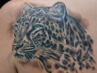 Татуировка леопард на лопатке