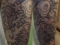 Татуировка рыбка на икре