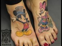 Татуировка Микки Маус на стопе