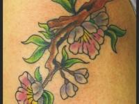 Татуировка ветка