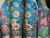 Татуировка цветочная поляна