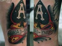 Татуировка туз на предплечье