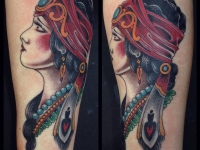Татуировка девушка с востока на руке