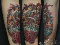 Татуировка корабль в океане