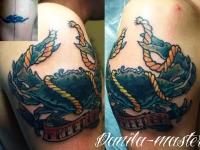 Татуировка краб на плече