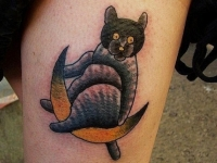 Татуировка кот на месяце