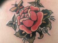Татуировка роза и бабочка