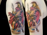 Татуировка воин с копьем на плече