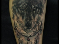 Татуировка морда волка и ловец снов