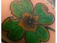 Татуировка лист клевера