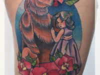 Татуировка медведь с девочкой