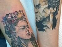 Татуировки мужчины и женщины на руках