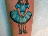 Татуировка маленькой девочки на руке
