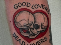 Татуировка 2 черепа в сердце