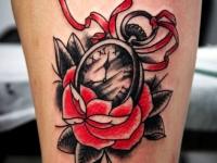 Татуировка часы и роза