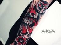 Татуировка необычная сова с глазом на крыле
