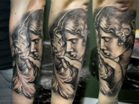 Татуировка воздушный поцелуй